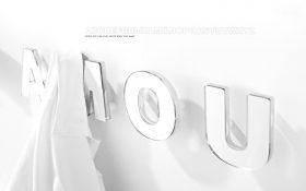 sms-coat-hanger-mogg-it Appendiabito, Mogg, SMS, Claudio Bitetti, 2013.. Mogg