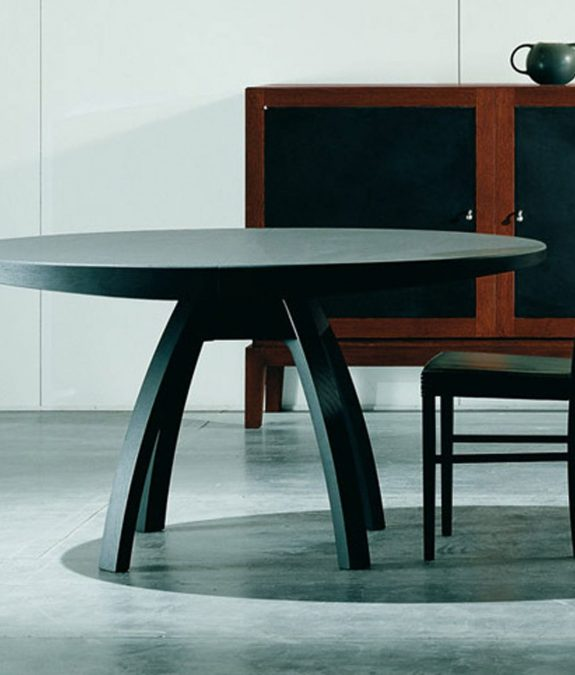 Round table / oval / contemporary / wood
